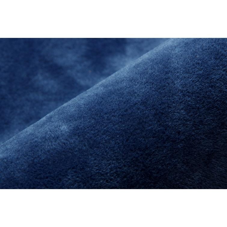 『イーズ』 約185×240cm